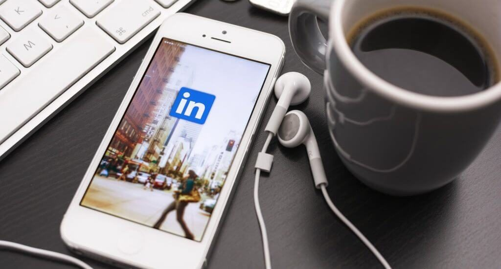 What Your LinkedIn Display Picture Says